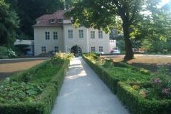 Soukromá-zahrada-Praha-Malá-Strana-